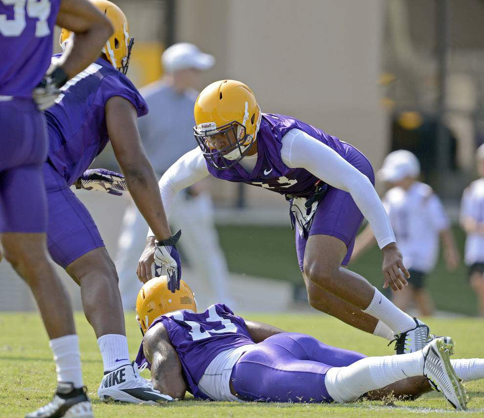 Dwayne Thomas is the central figure of LSU's Mustang package _lowres