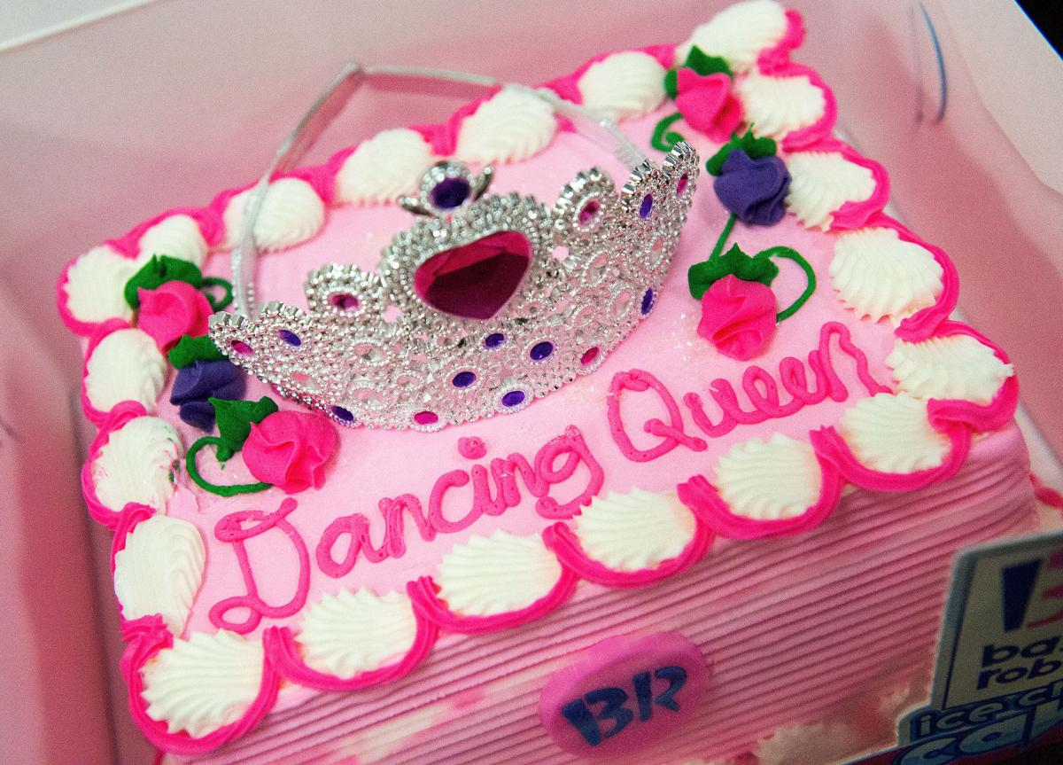 Birthday Cake Images For Advocate : Having the time of her life: 94-year-old  Dancing Queen ...