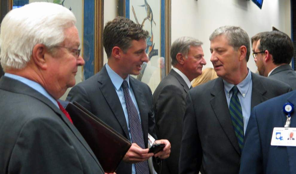 Bill advances that would cut state contracts _lowres