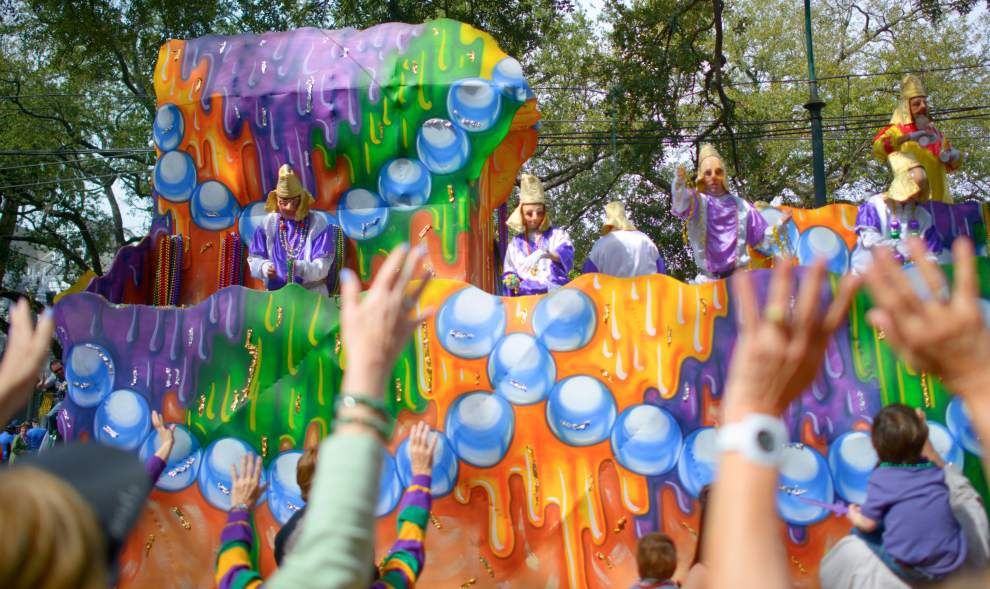 """Choctaw's Vacation Destinations"" theme of Choctaw parade _lowres"
