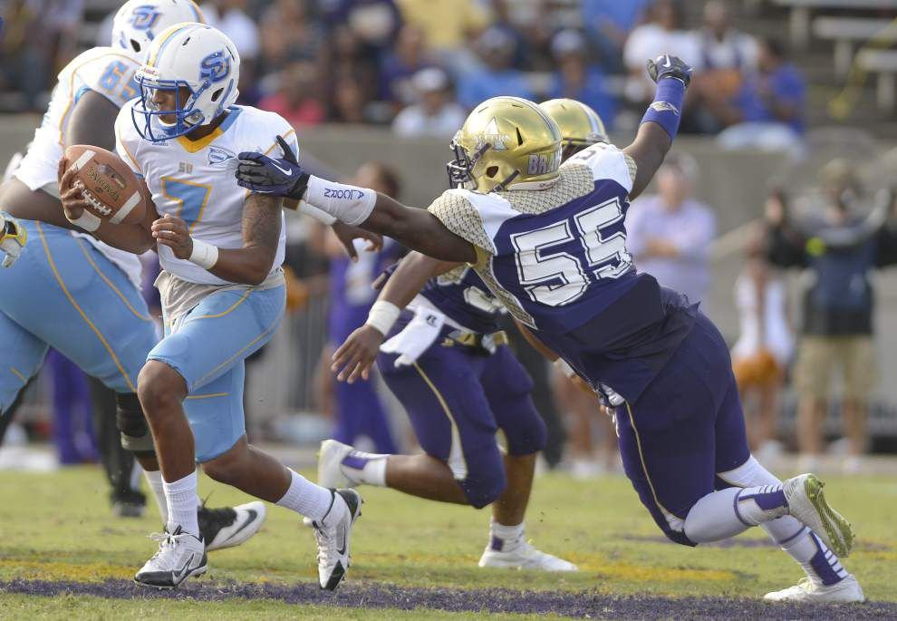 Southern football team aims to ease pressure on quarterback Austin Howard _lowres