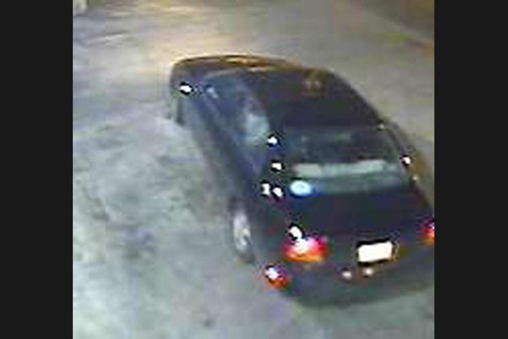 Authorities seek men who targeted four Baton Rouge businesses, stealing drugs, money _lowres
