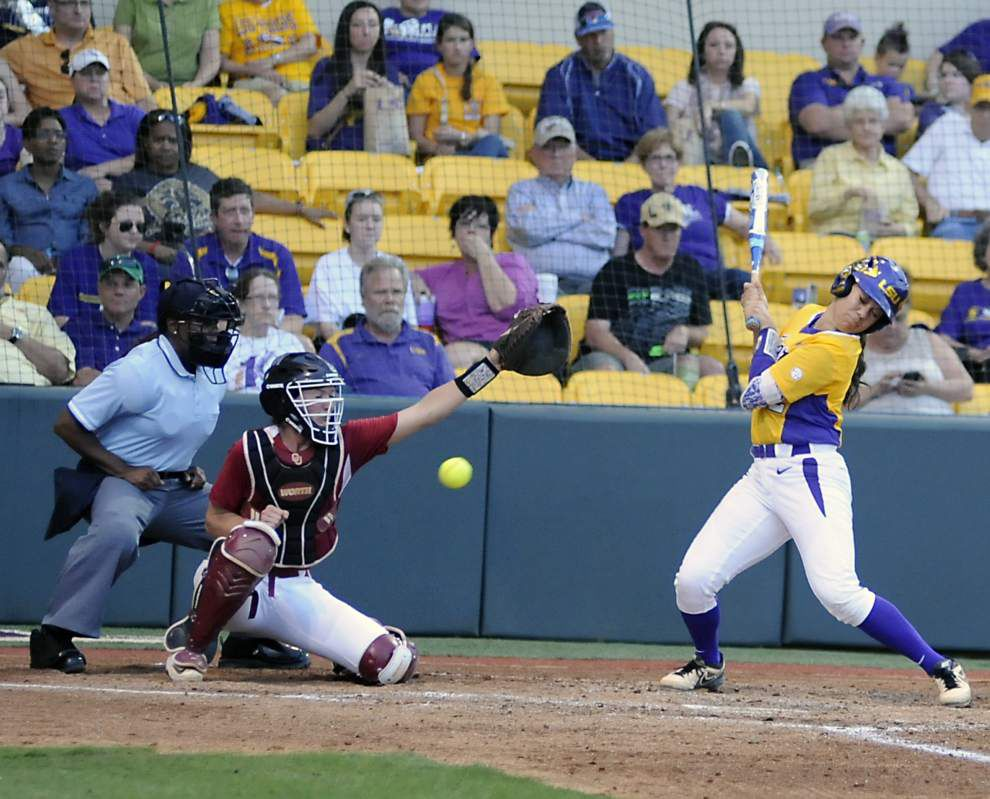 LSU softball team defeats Oklahoma 1-0 behind pitcher Carley Hoover, slugger Bianka Bell _lowres