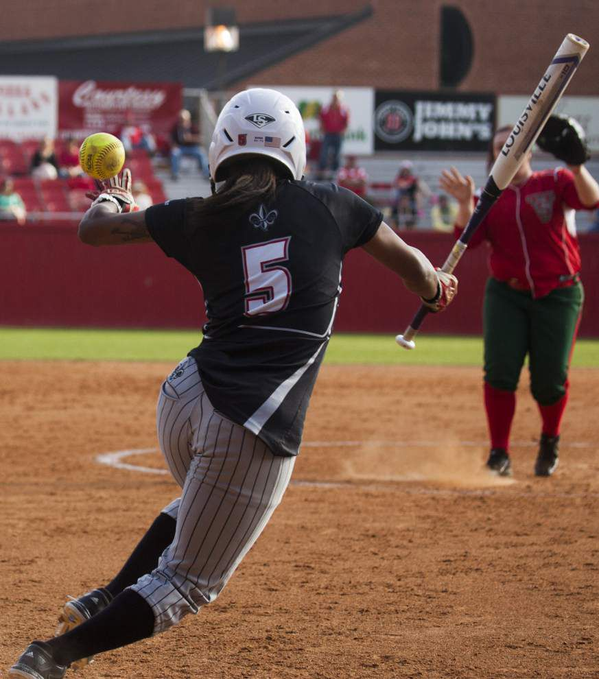 Ragin' Cajuns softball team moves to 9-0 with two more shutouts _lowres