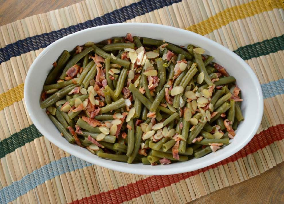 Green Beans With Bacon and Almonds _lowres