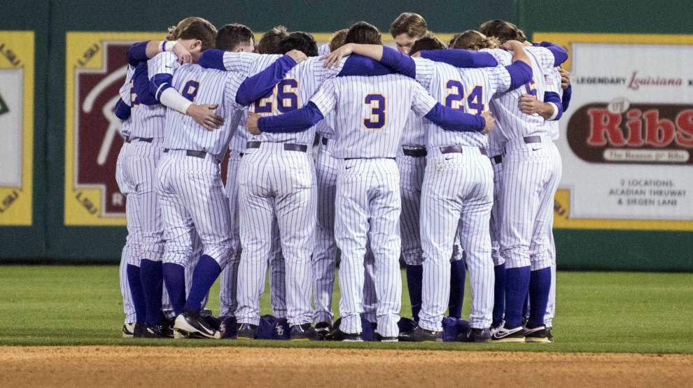 Live updates from Advocate sportswriter Ross Dellenger at the Southeastern Louisiana at LSU baseball game _lowres