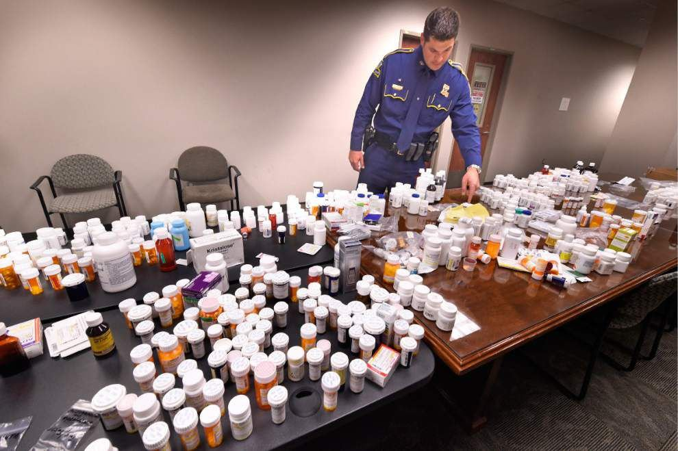 State Police recover trash bags full of prescription drugs, six arrested _lowres