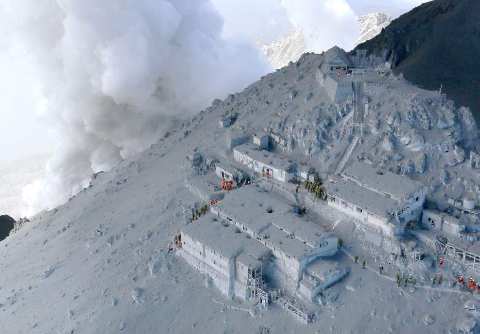 At least 31 believed dead after Japan volcano eruption _lowres