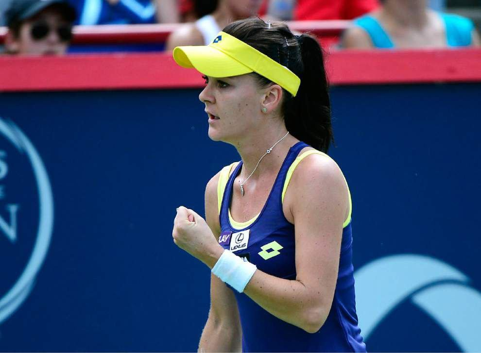 Agnieszka Radwanska beats Venus Williams for title _lowres
