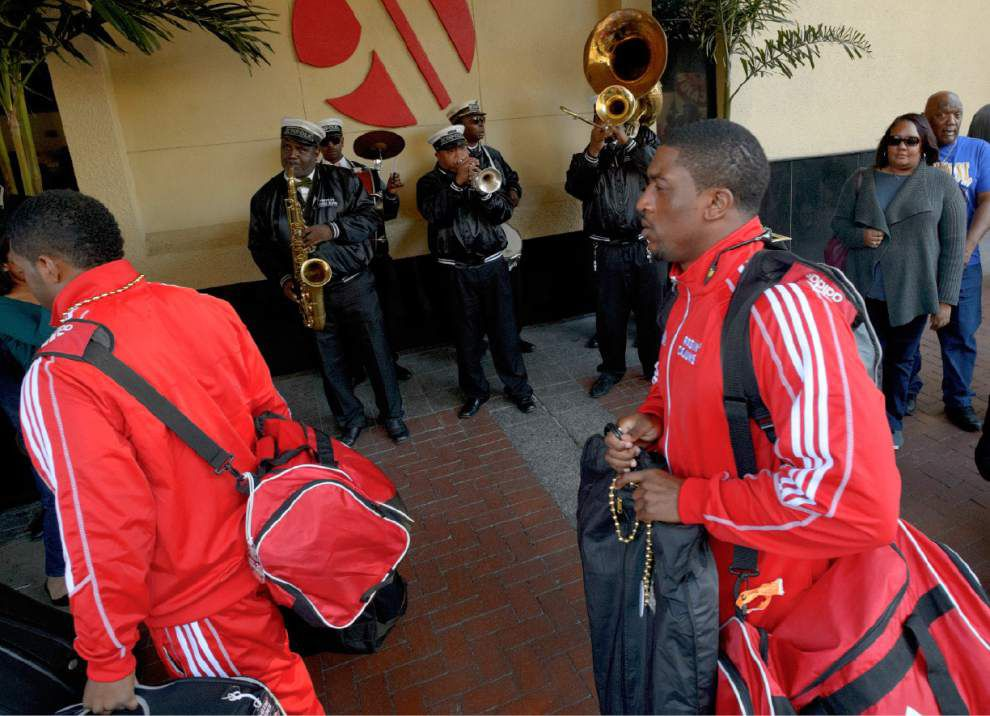 Ragin' Cajuns arrive at New Orleans bowl, 'feel right at home' _lowres