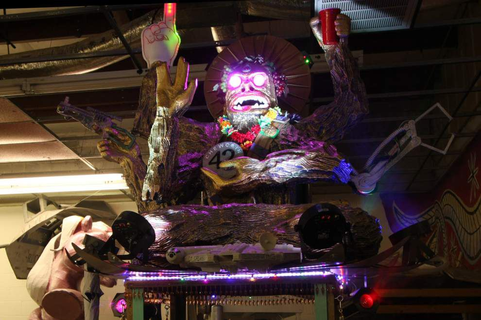 Tit Rex, Chewbacchus to roll on downtown routes _lowres