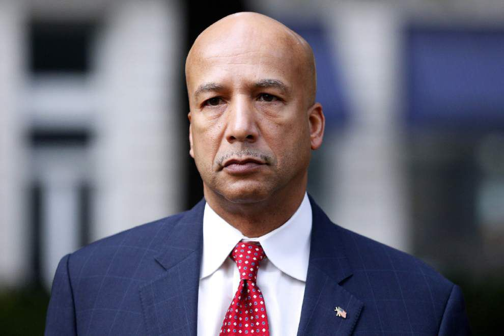 After day's delay, Nagin jury gets back to work _lowres