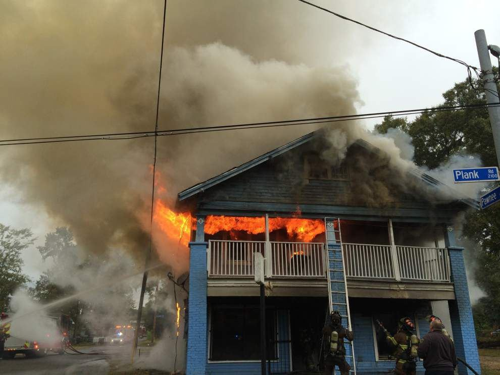 Fire destroys apartment complex on Plank Road in Baton Rouge _lowres