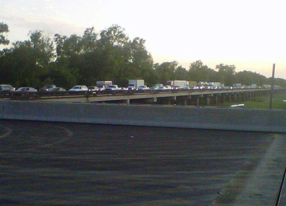 Crash closes I-10 for 15 hours along basin bridge _lowres
