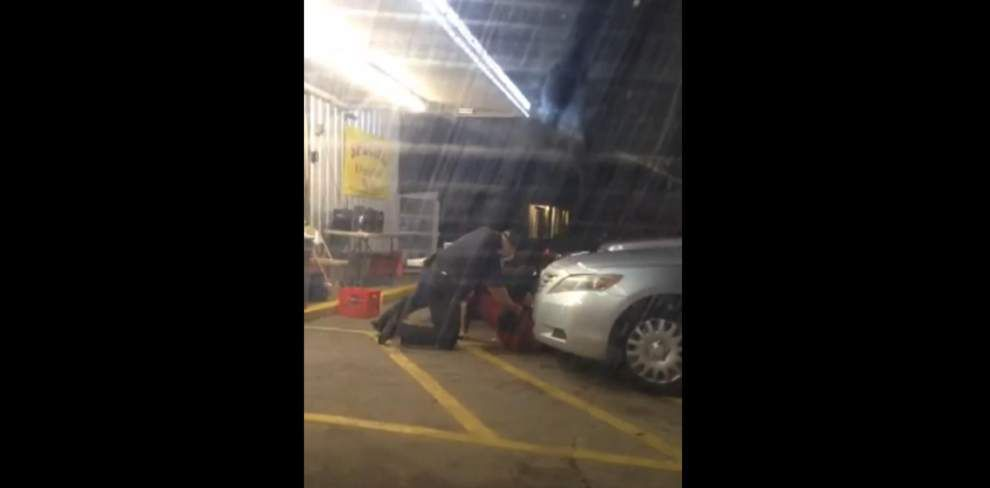 'He's got a gun! Gun': Video shows fatal confrontation between Alton Sterling, Baton Rouge police officer _lowres