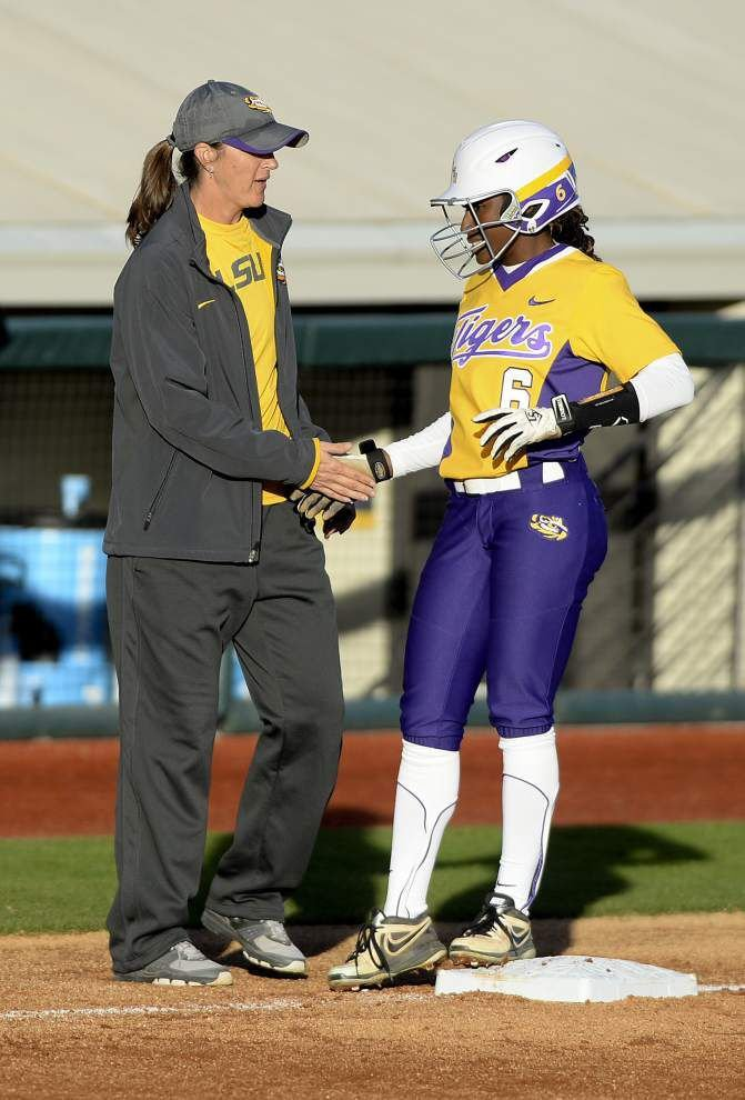 LSU softball team opens with sweep of Memphis, Eastern Illinois _lowres