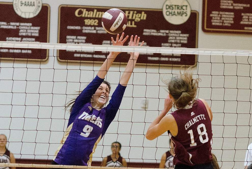 Chalmette downs Hahnville in bidistrict volleyball playoff match _lowres