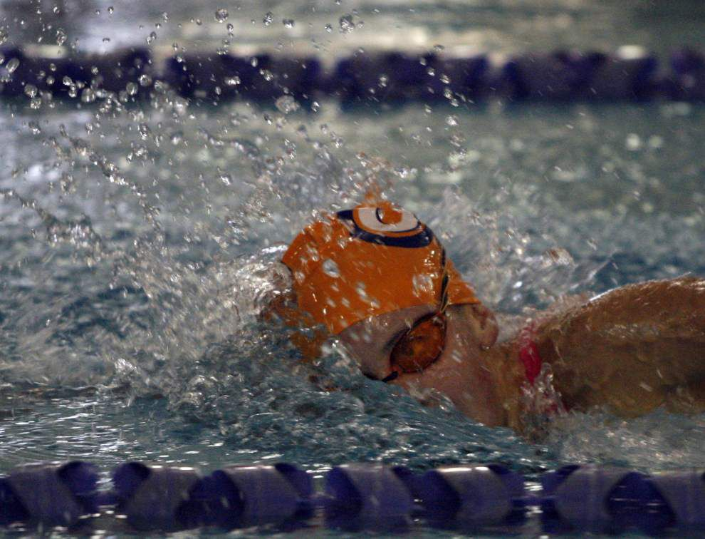 Crawfish swims to top spot; Tiger Aquatics second _lowres