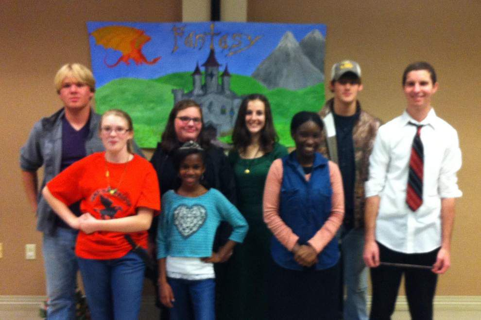 Teens 'walk through fantasy' at open mic night _lowres