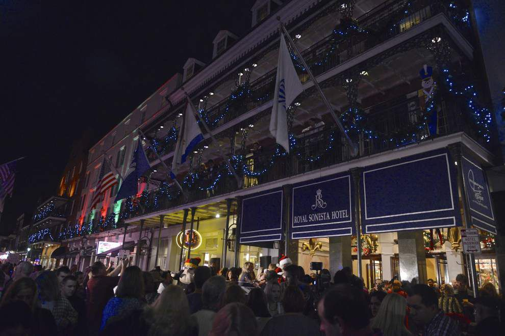 Royal Sonesta hosts lighting of balconies _lowres