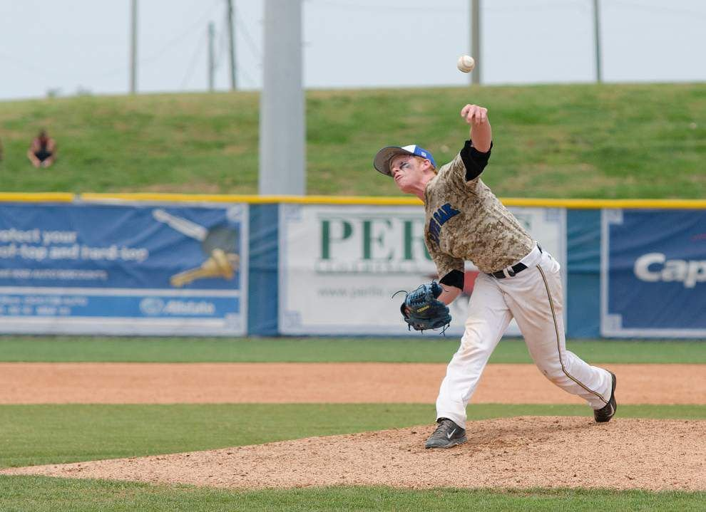 Zach Hansen pitches Live Oak to split with Brother Martin _lowres
