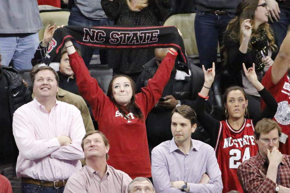 Video: N.C. State students go wild after game-winning shot against LSU in the NCAA tournament _lowres