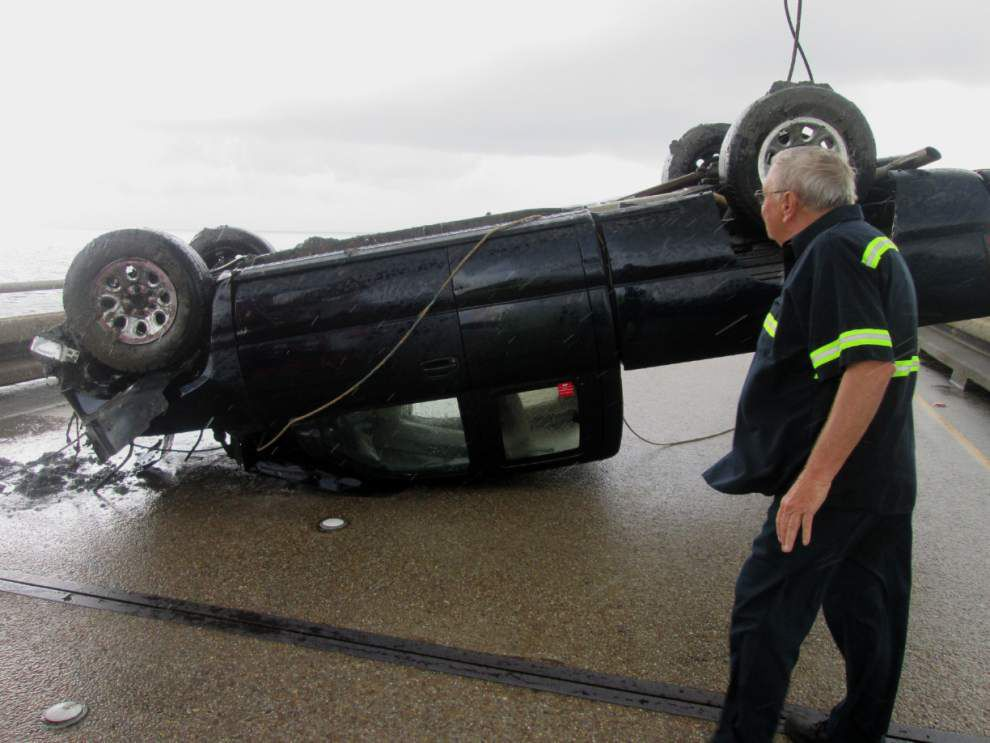 Causeway officials to test new safety barriers on bridge _lowres
