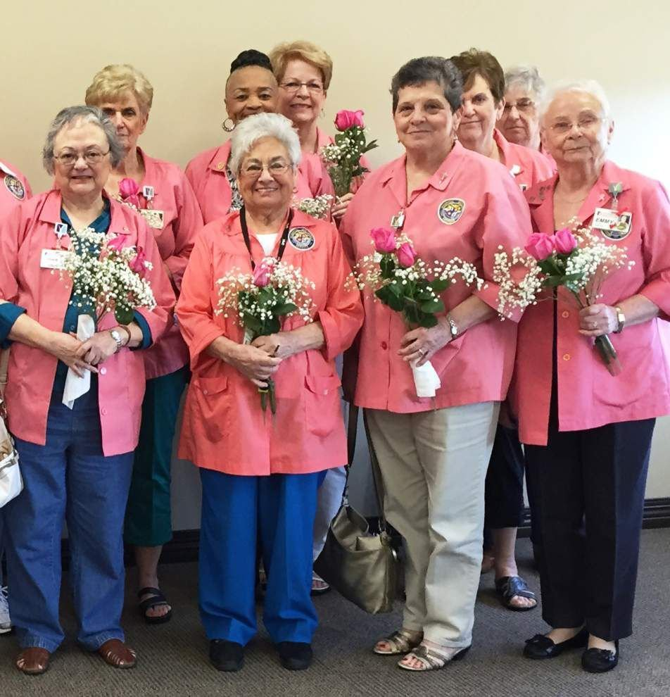 Lane Regional honors auxiliary volunteers _lowres