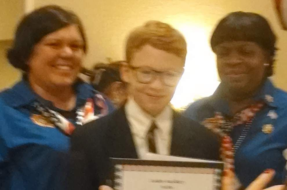 Tchefuncte Middle School student wins state volunteerism award _lowres