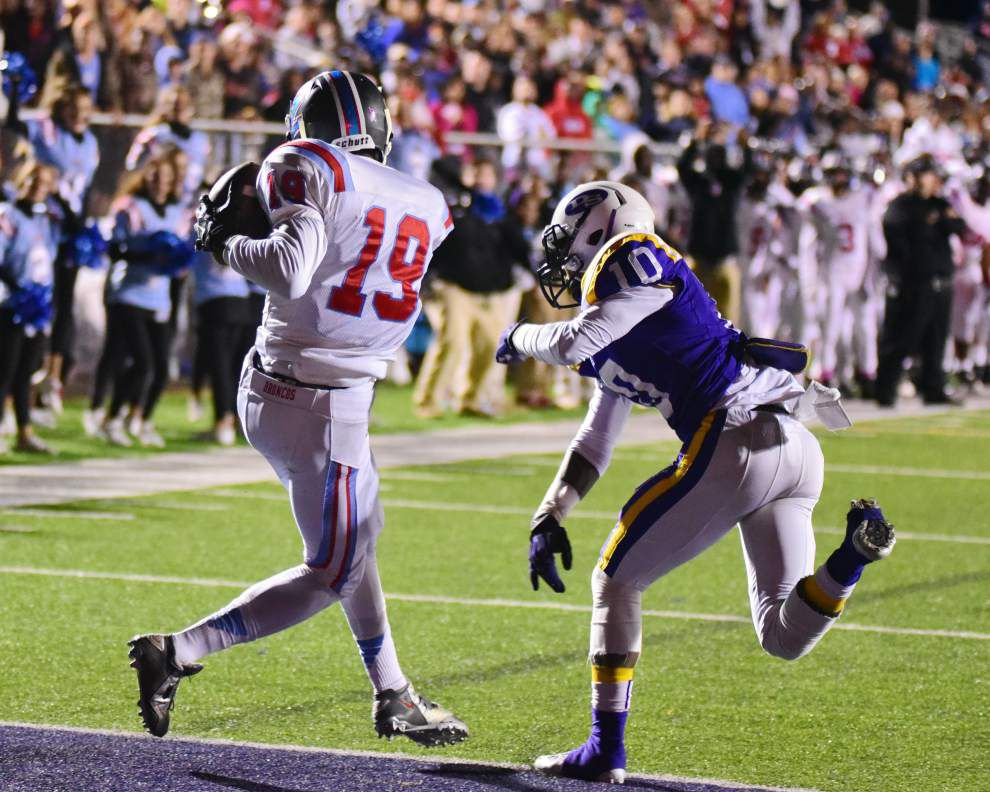 Zachary defeats Denham Springs 28-24 _lowres