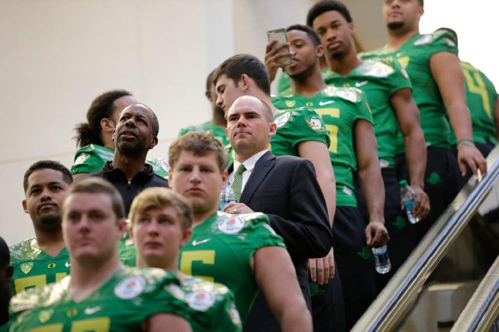 Oregon's Mark Helfrich is that 'other guy' among the CFP's star coaches _lowres