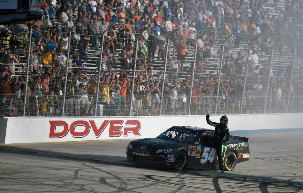 Kurt Busch battling to stay in Chase with 500th start _lowres
