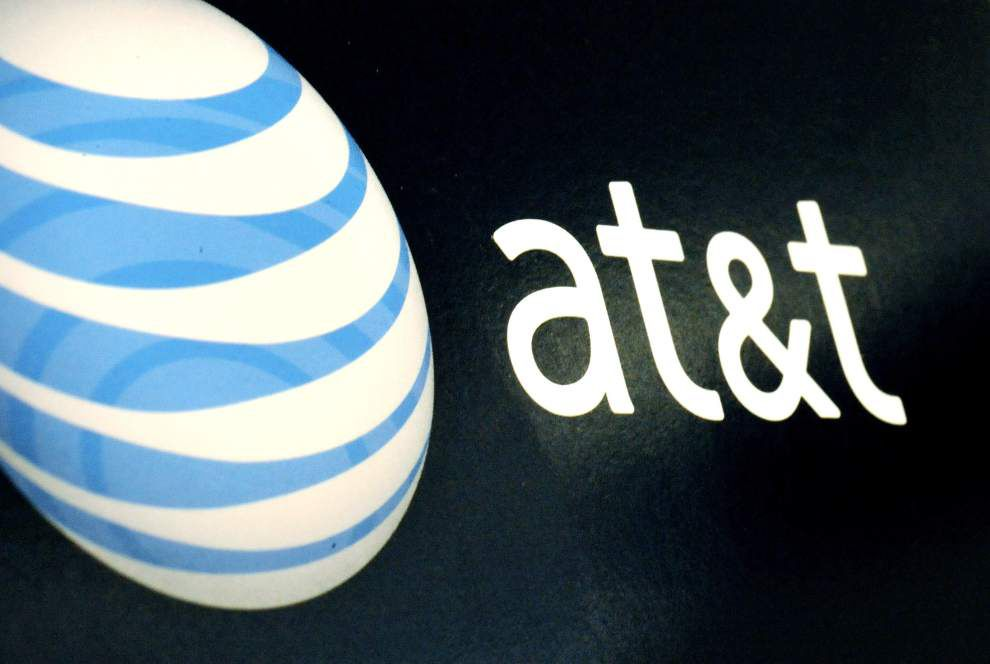 AT&T agrees to buy DirecTV in $48.5B deal _lowres