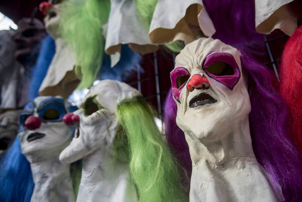Haunted house enthusiasts flock to HauntCon in Baton Rouge to find the latest technology, props to scare you _lowres