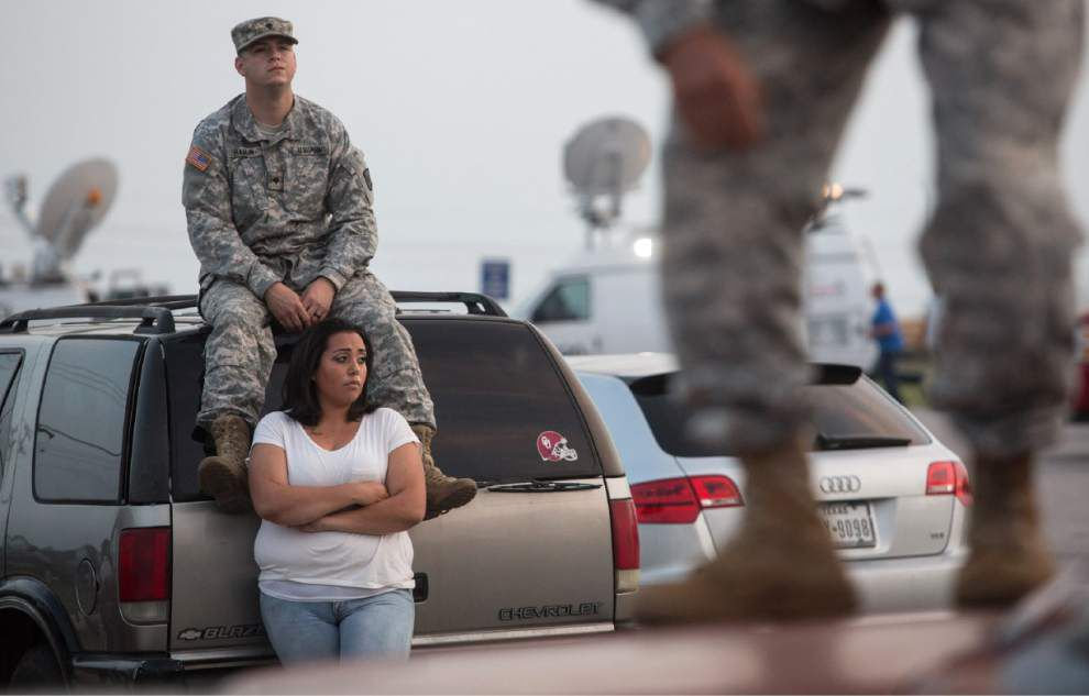 Gunman kills 3, wounds 16 at Fort Hood Army base _lowres