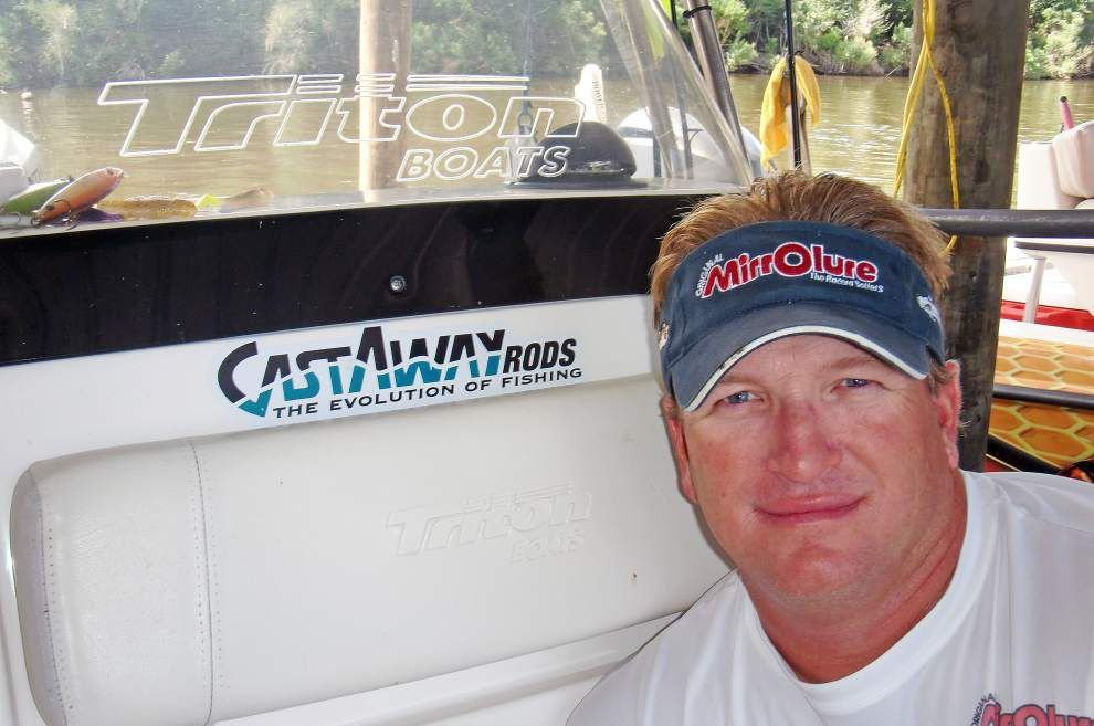 Charterboat captain Charlie Thomason like a fishing professor _lowres