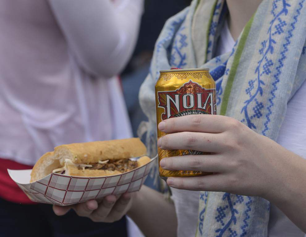 Oak Street hosts Po-Boy Festival _lowres