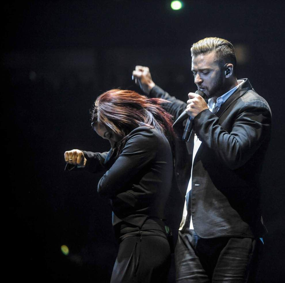 Justin Timberlake comes to party, makes crowd happy _lowres