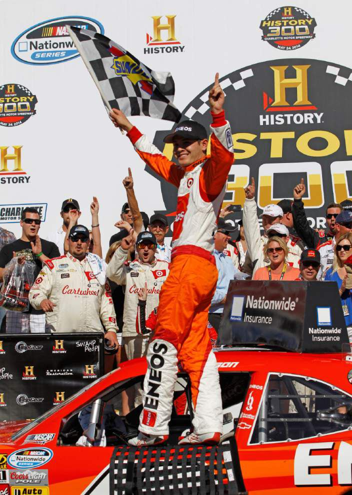 Kyle Larson picks up Nationwide win _lowres