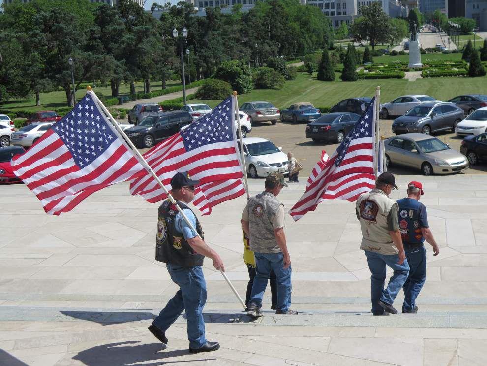 La. Senate remembers fallen servicemen _lowres