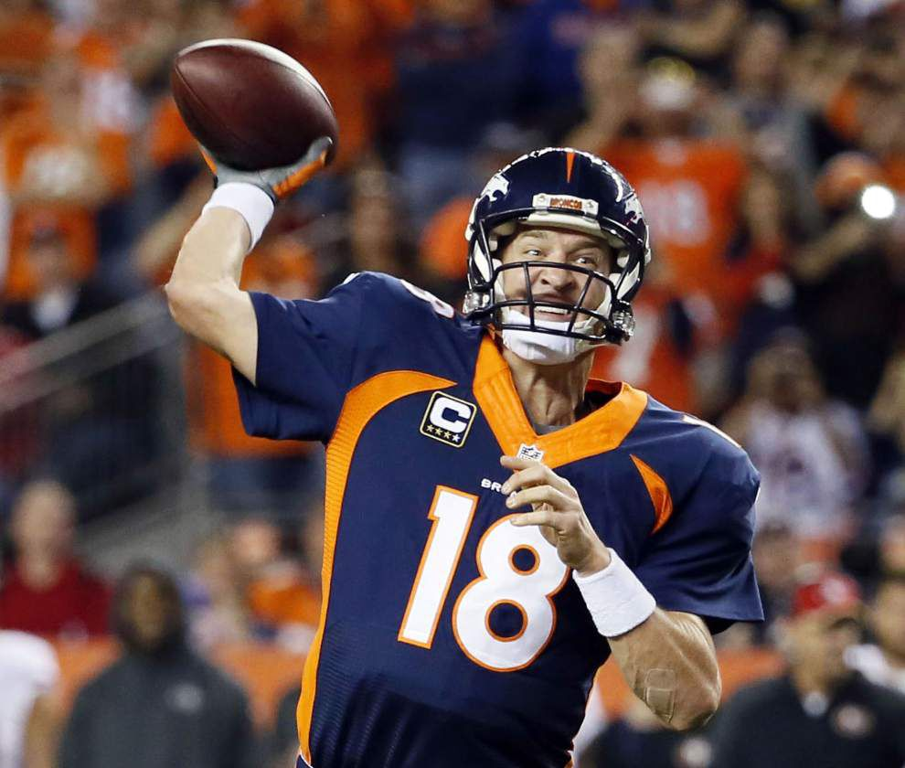 Peyton Manning breaks Brett Favre's NFL mark with 509th career TD pass, adds No. 510 _lowres