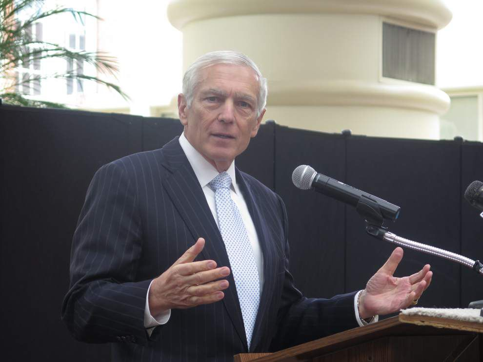 Wesley Clark ready to debate free cell phones with Sen. David Vitter _lowres