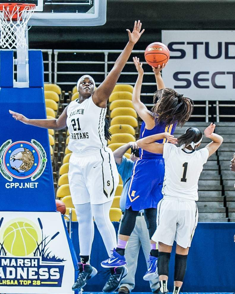 With Karr focusing on Salmen's Kalani Brown inside, guards Tiara Warren, Arianna Cooks come up big for Spartans _lowres