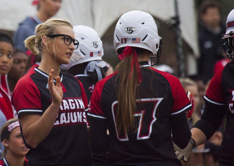 Ragin' Cajuns pitcher Christina Hamilton triumphant in return; Cajuns remain unbeaten _lowres