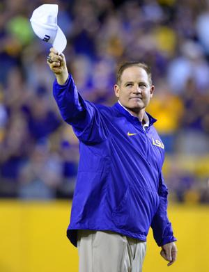 Les Miles is officially going to Kansas; here are details on his contract