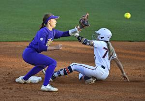 LSU softball drops Game 2 to Auburn 9-5 after multiple errors, poor pitching