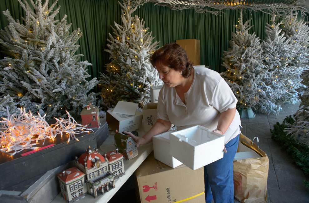 Docville Plantation hosts Christmas Tour _lowres