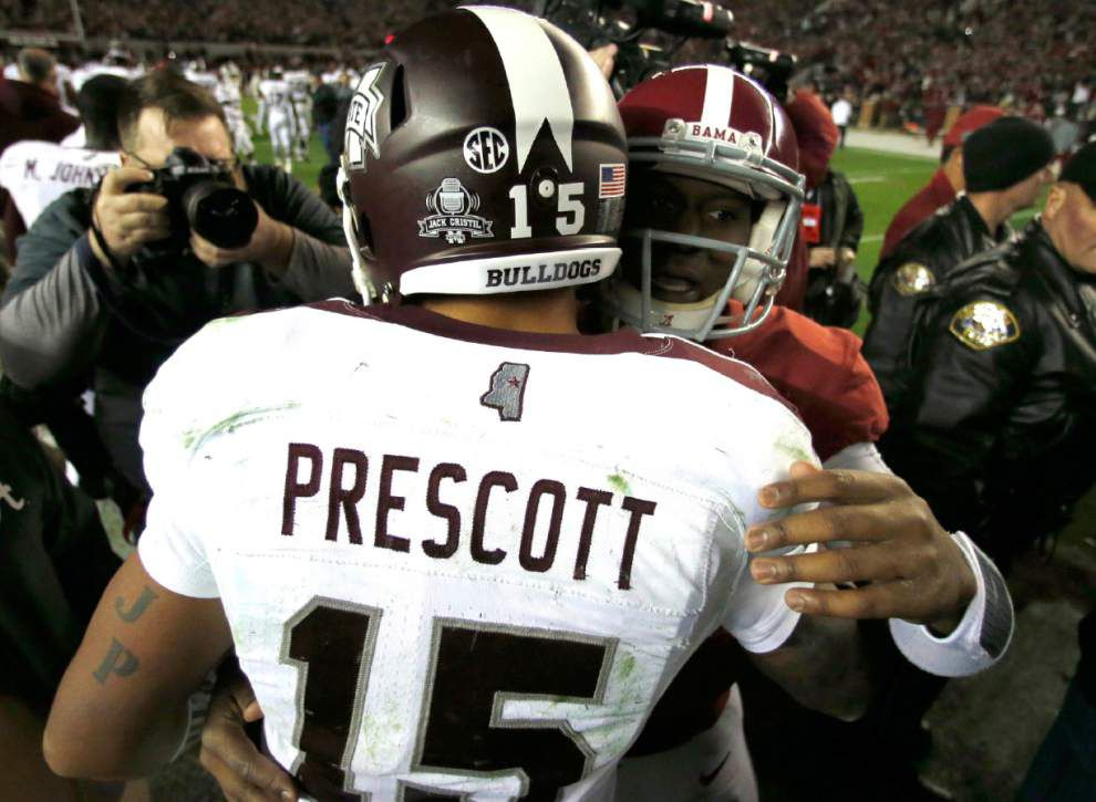 Alabama holds off No. 1 Bulldogs 25-20 _lowres