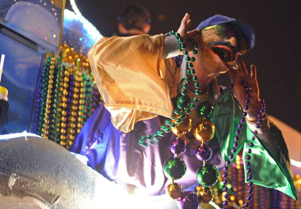 Lafayette hosts Mardi Gras kickoff parade _lowres