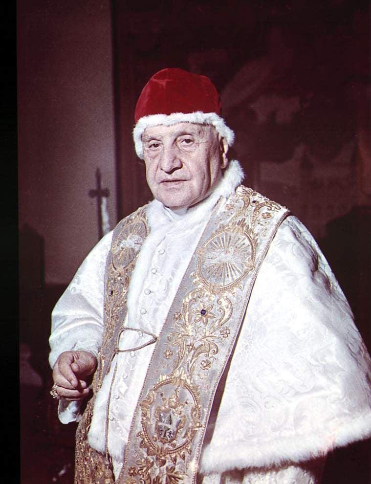Local Catholics celebrate canonization of John Paul II and John XXIII _lowres